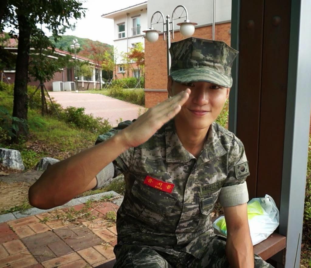 Yoon_Shi_Yoon_Military
