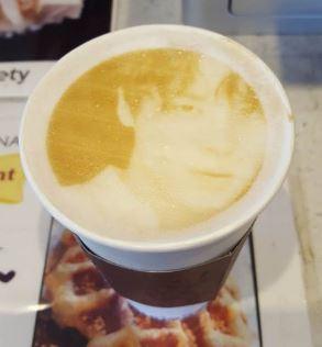 junsu coffee 2