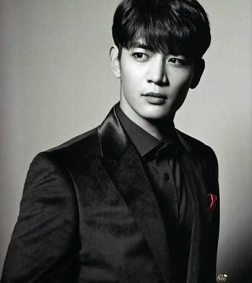 Khottie Of The Week Shinee S Choi Minho Kchat Jjigae